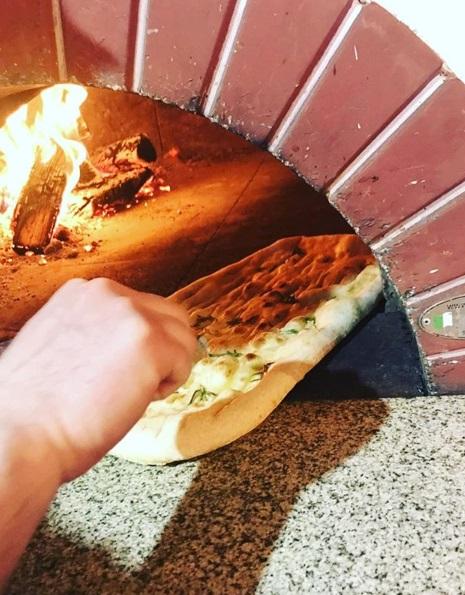 Разрешаем подсмотреть Вам процесс готовки Ваших любимых пицц